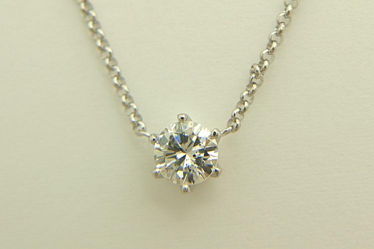 ダイヤモンドの一粒石ネックレス